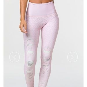 Onzie high rise leggings M/L -worn once
